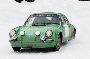 Winterace. Una Porsche 911 in gara.