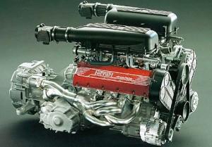 Ferrari F355. Il motore è un 3.5 V8 da 280 cavalli.