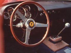 Gli interni della Ferrari 250 GTO.