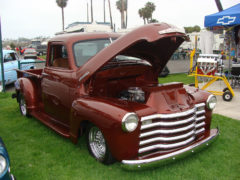 Il pick-up Chevrolet 3100 in vendita su Ebay.