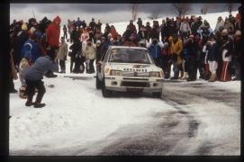 Peugeot 205 Turbo 16. In derapata sulla neve.