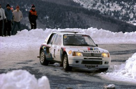 Peugeot 205 Turbo 16. Vincitrive del Rally di Montecarlo del 1985.