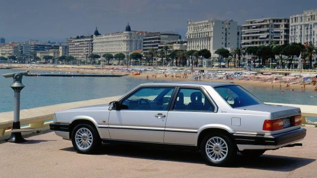 Volvo 780. Era un'auto di lusso all'epoca.