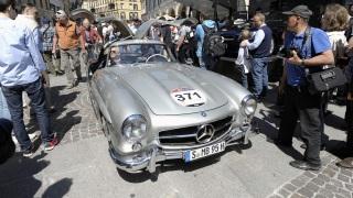 Mille Miglia. Mercedes segue l'edizione 2015 con Periscope.