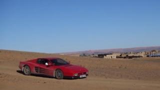 Ferrari Testarossa. Un'istantanea nel Sahara.
