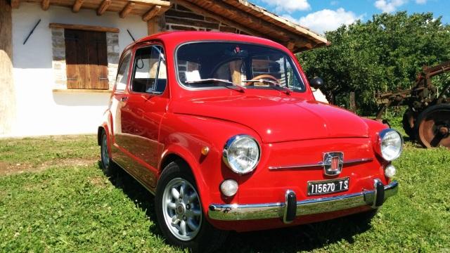 Fiat 600. Tante le auto al raduno anche non dello Scorpione.