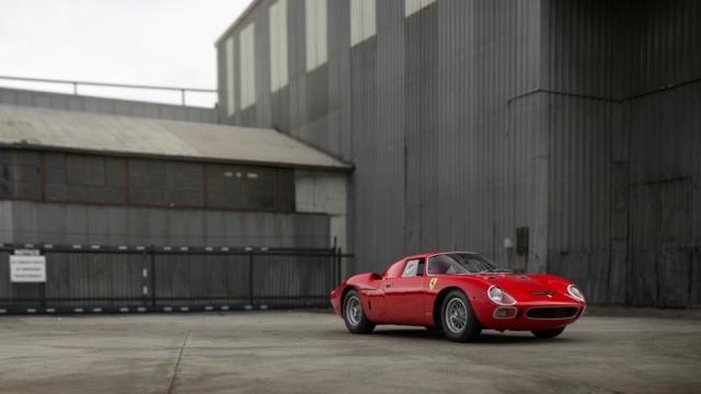 Ferrari 250 LM. Uno dei pezzi più pregiati dell'asta. Foto Patrick Ernzen for RM Sotheby.