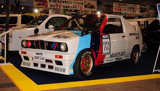 MBW 550. Richiama una BMW M3.