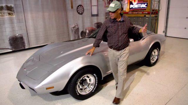 George Talley con la sua Corvette.