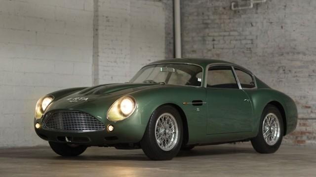 Aston Martin DB4.
