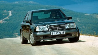 Mercedes 500 E.