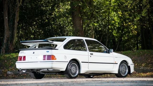 Una Ford Sierra.
