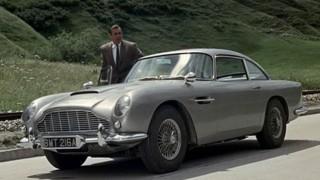 Aston Martin DB5 e Sean Connery.