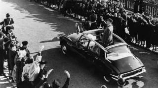 De Gaulle sulla Citroen DS.