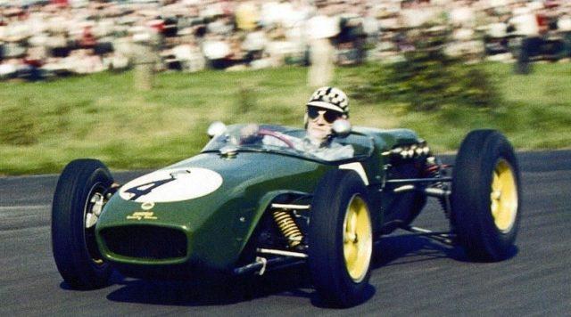 L'alluminio veniva usato nelle auto da corsa.