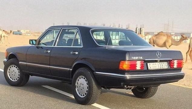 Mercedes 300 SE.