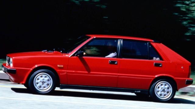 Lancia Delta HF Turbo.