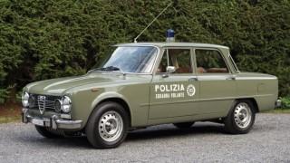 Alfa Romeo Giulia della polizia.