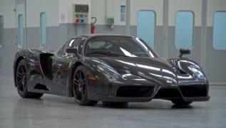 Ferrari Enzo in fibra di carbonio.