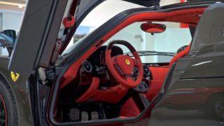 Ferrari Enzo, l'abitacolo.