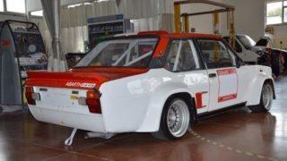 Il retro della 131 Abarth Rally.