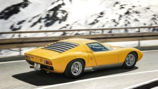 """Lamborghini Miura sulle strade di """"The Italian Job""""."""