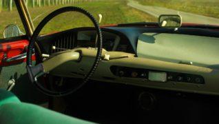 Gli interni della Citroen DS, con i colori originali.