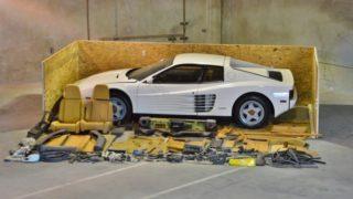 Questa Ferrari Testarossa del 1987 può essere un affare, ma andrà montata