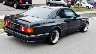 La Mercedes 560 SEC AMG del 1991.