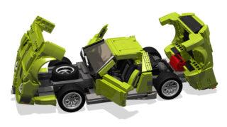 Una Lamborghini Miura di Lego con i cofani aperti.