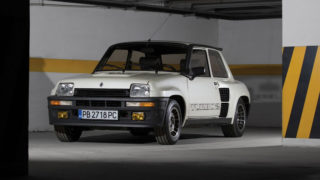 Una Renault 5 Turbo 2 in vendita a Retromobile 2017.