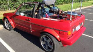 Un ibrido tra Golf e Pontiac Fiero.
