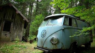 Volkswagen Transporter abbandonato.