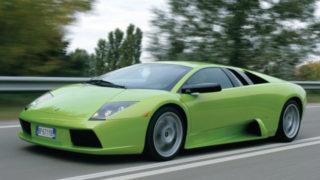 Una Lamborghini Murcielago con carrozzeria di colore verde