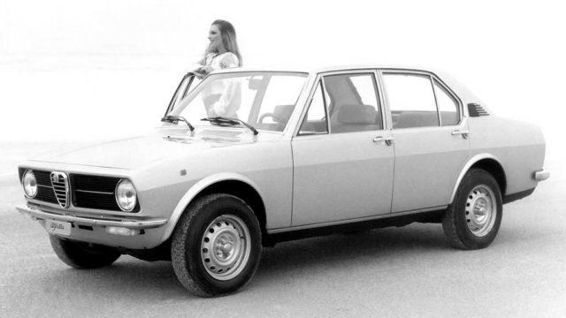 Alfa Romeo Alfetta 1.6. economica, lanciata nel 1975.