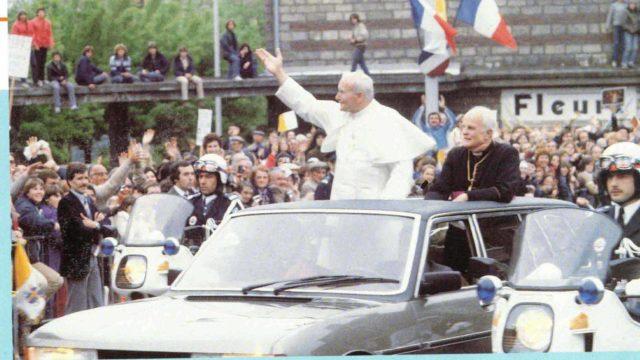 Giovanni Paolo II e la Peugeot 604
